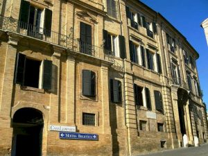 Recanati, la romantica città balcone amata da Leopardi