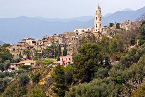 Un luogo incantato sopra Sanremo: Bussana Vecchia, il paese degli artisti