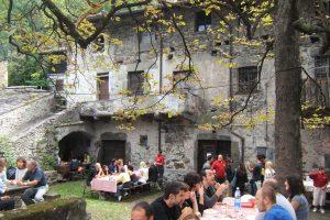 Negli antichi Crotti le migliori osterie caratteristiche della Valchiavenna