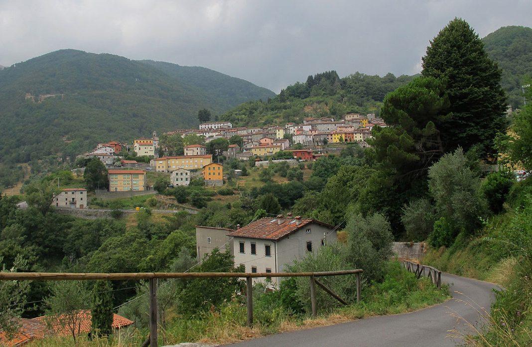 Pescaglia, antico borgo delle Lucchesia sulle alpi Apuane