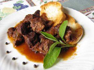 Piatti e prodotti tipici: il Peposo di Impruneta, lo stufato del Brunelleschi