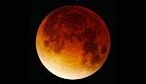 Notte magica con l'Eclissi di Luna più lunga del secolo