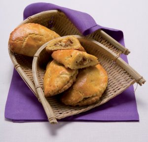Prodotti tipici locali: le Nepitelle, dolce della tradizione calabrese