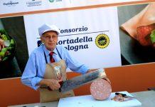 """Mortadella Day: la regina rosa di Bologna """"compie"""" 357 anni"""