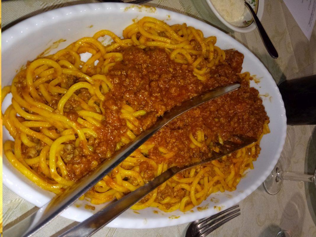Ragù in Villa, protagonista per un giorno tra spaghetti e tagliatelle