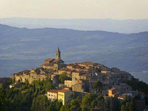 Città, paesi e borghi: Cinigiano, borgo toscano tra il mare e la montagna