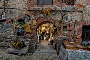 Città, paesi e borghi d'Italia: il Ricetto di Candelo, nel biellese