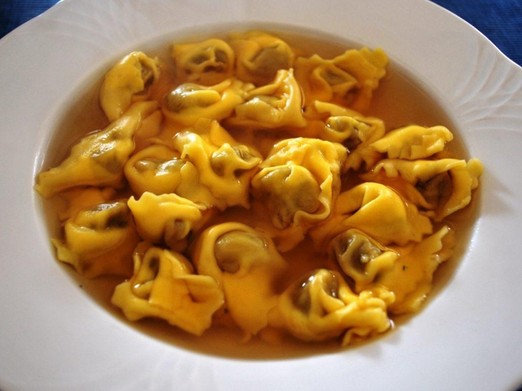 Piatti e prodotti tipici locali: i Marubini di Casteldidone