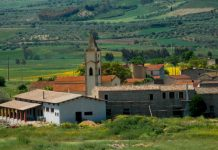 Città, paesi e borghi: Baradili, borgo medioevale al centro della Sardegna