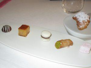 Piccola pasticceria: Francia, Bologna, Napoli, Sicilia, USA