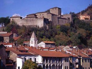 Pontremoli-CastelloDelPiagnaro-(www.comune.pontremoli.ms.it)