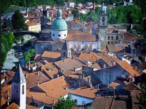 Pontremoli-duomo-(www.turismoinlunigiana.ir)