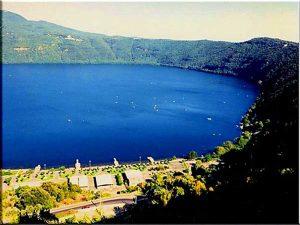 lago-di-albano(giovaniperunmondounito.blogspot.com)