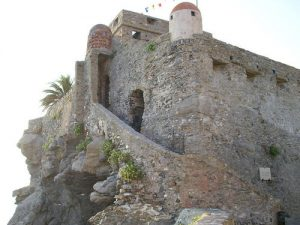 Castello_Dragonara (wikimedia.org)