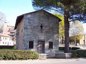 Chiesa_di_San_Leonardo-(wikipedia.org)