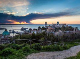 Ancona al tramonto
