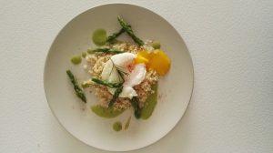 asparagi e uovo in camicia