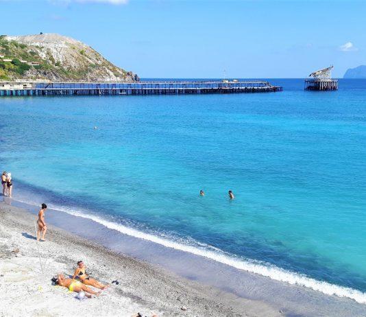 Spiaggia di pietra pomice a Lipari. Credits: Ph. Andrea Di Bella