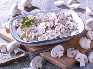 funghi-champignon-a-fette-