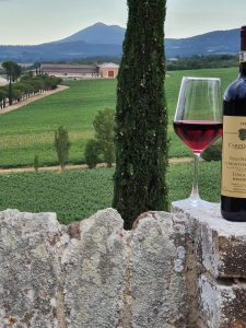 CARPINETO Vino Nobile di Montepulciano Riserva-imbrunire