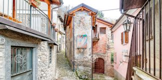 arcumeggia-most-famous-painted-village-province-varese-italy-81646042