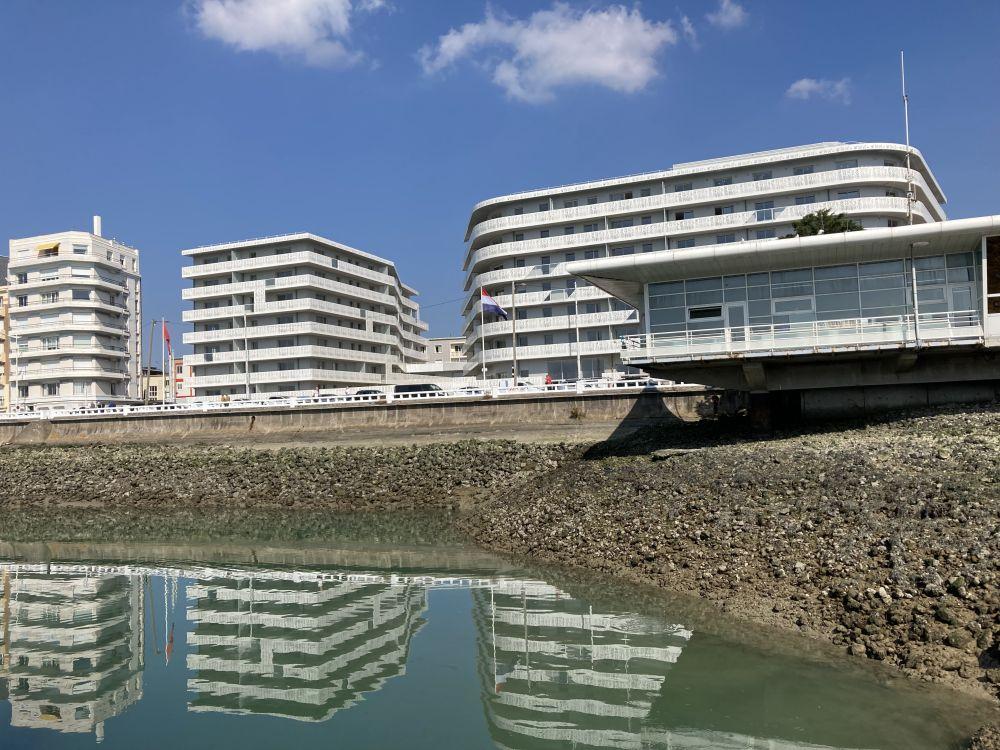Le Havre,edificio sul mare
