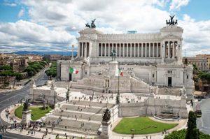 Vittoriano, Roma. Storia, Altare della Patria, Tomba del Milite Ignoto