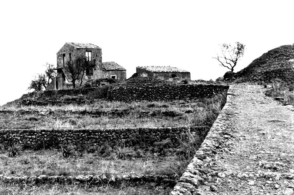 Abitazione rurale e terrazze. Credits Ph. Sebastiano Costanzo